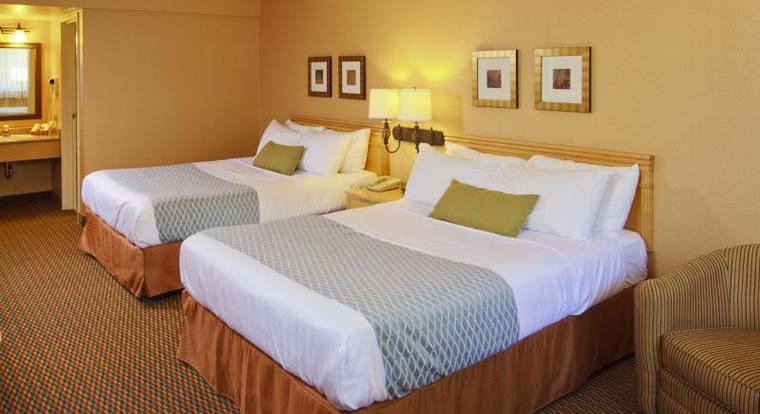 Accent Inn Richmond - Bedroom. Richmond, BC