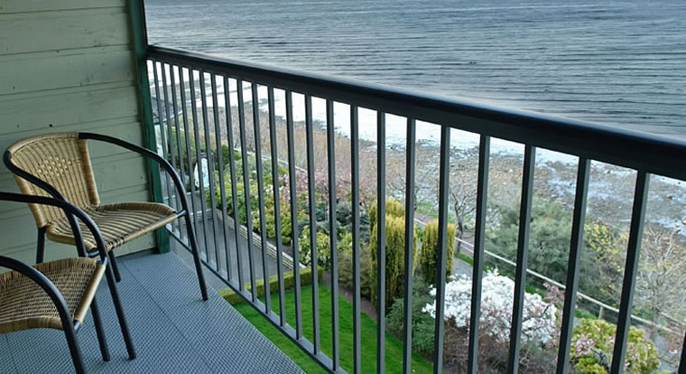 Quality Resort Bayside - Deck View. Parksville, BC