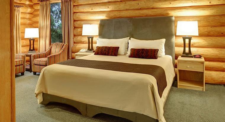 Tigh Na Mara Seaside Spa Resort - Bedroom. Parksville, BC