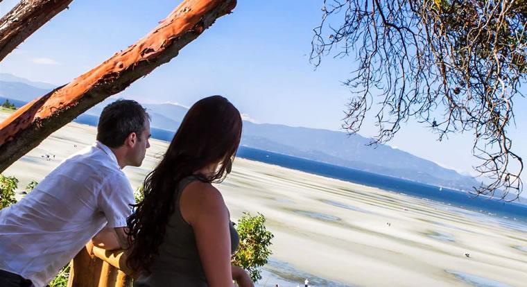 Tigh Na Mara Seaside Spa Resort - Ocean View. Parksville, BC