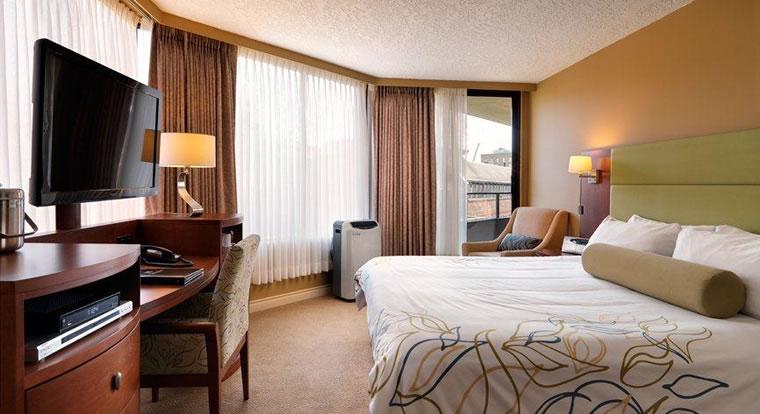 Victoria Regent Waterfron Hotel & Suites - Bedroom. Vicotria, BC