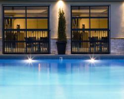 Coast Capri Hotel - Pool. Kelowna, BC.