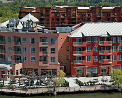 Manteo resort - Waterfront Hotel & Villas. Kelowna, BC