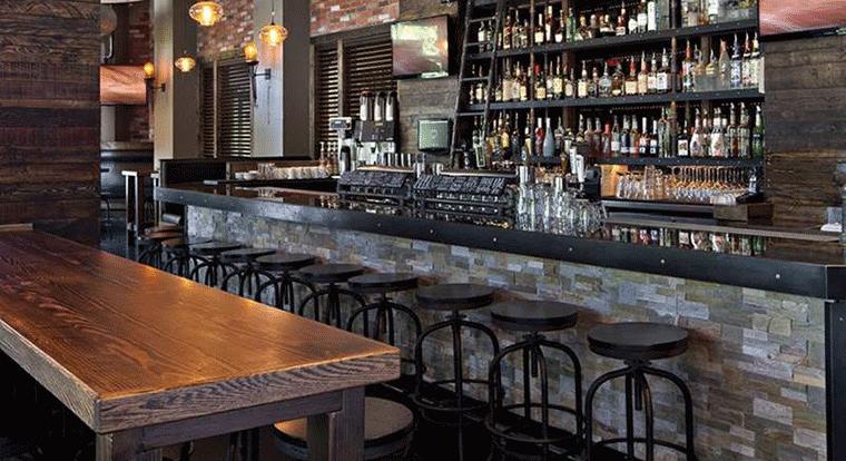 Delta Whistler Village Suites - Bar. Whistler, BC