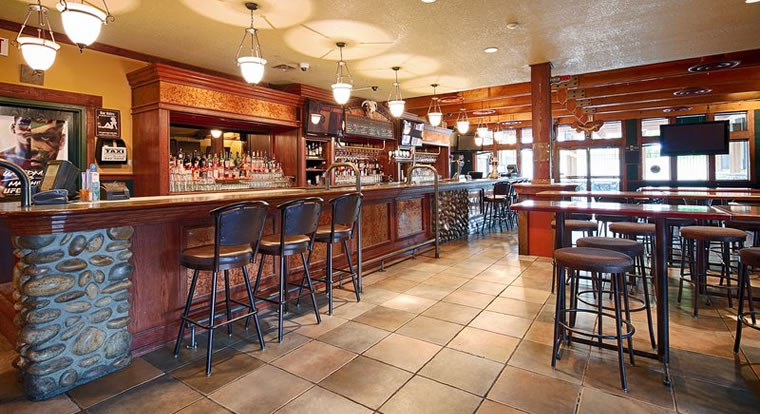 Best Western Invermere Inn - Bar. Invermere, BC