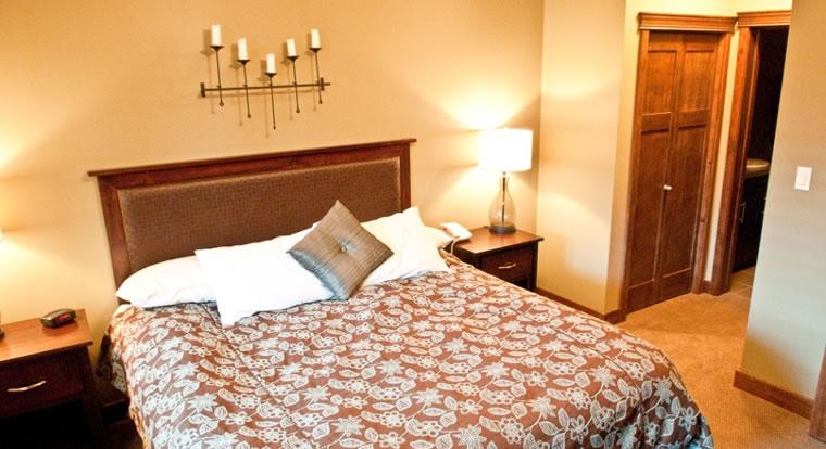 Bighorn Meadows Resort - Bedroom. Radium Hot Springs, BC