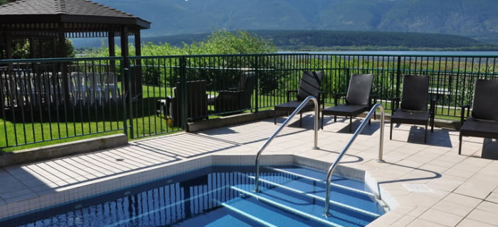 Prestige Harbourfront Resort & Conference Centre - Pool. Salmon Arm, BC