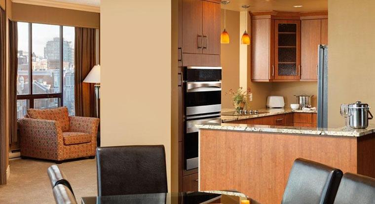 Victoria Regent Waterfron Hotel & Suites - Suite. Vicotria, BC